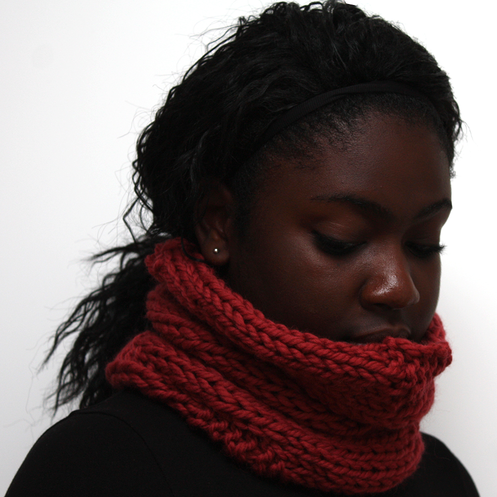 Wine wool cowl