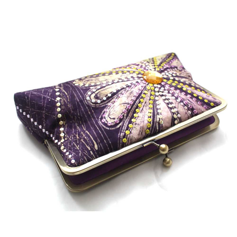 Radiant-Orchid-Supersnap-Clutch3