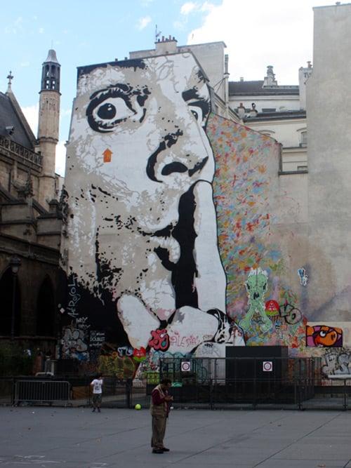 Dali Graffiti in Paris